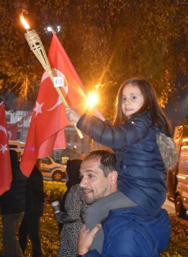 Sivas'ta Fener Alayı ve Cumhuriyet Yürüyüşü