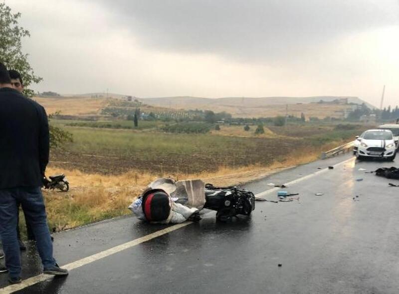 Kamyon, motosiklete çarptı; baba öldü, oğlu yaralı