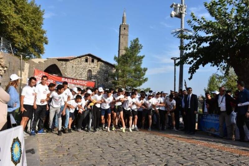 Bağlar'da sporculardan Beyoğlu'na ziyaret