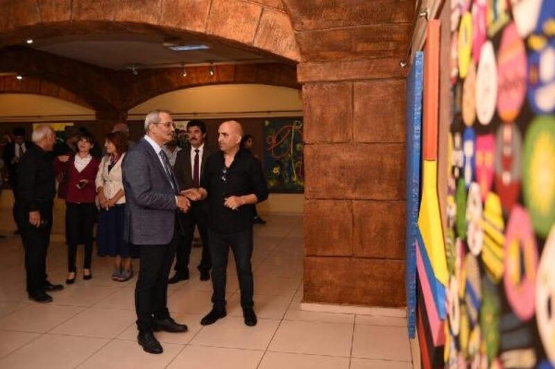 'Topaç' temalı resim sergisi açıldı