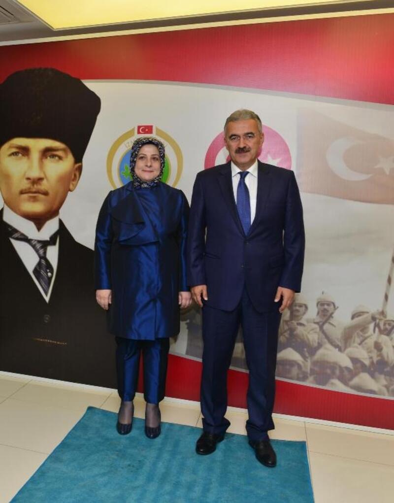 İzmir Valisi'nden Cumhuriyet Resepsiyonu
