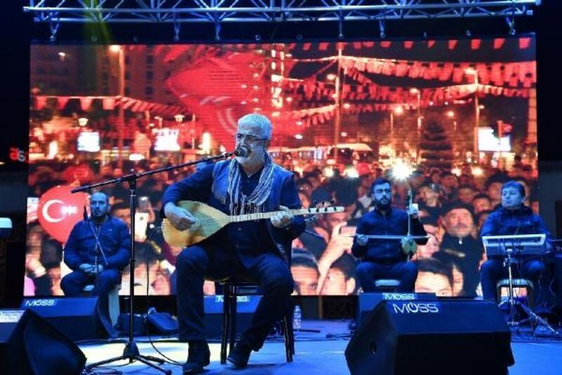 Kayseri'de Cumhuriyet konseri