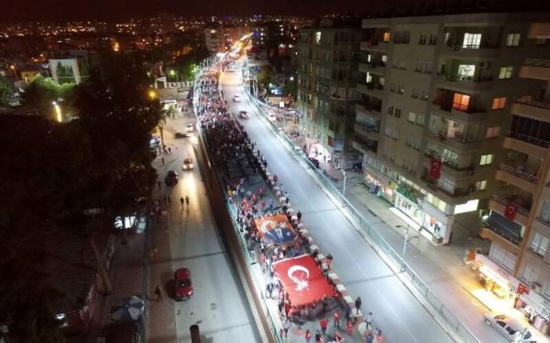Tarsus'ta Cumhuriyet için yürüdüler
