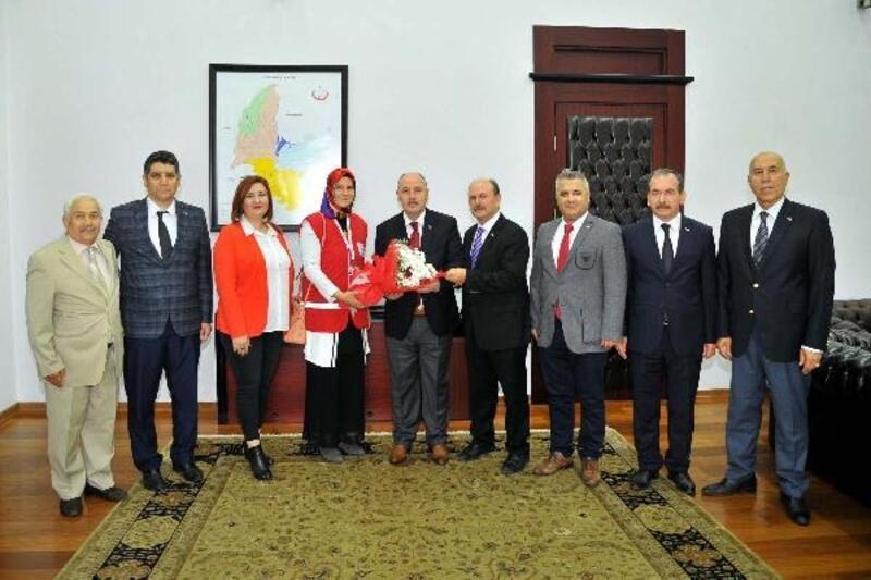 Vali Coşkun, Kızılay Haftası'nı kutladı