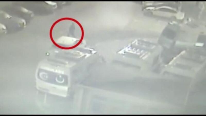Ambulansın çalınma anı güvenlik kameralarına yansıdı