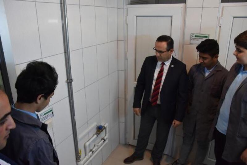 Öğrencilerin sistemi, su ve elektrikte yüzde 50 tasarruf sağlıyor