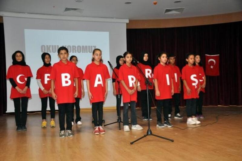 Reyhanlı'da öğrencilerden Barış Pınarı Harekatı'na destek