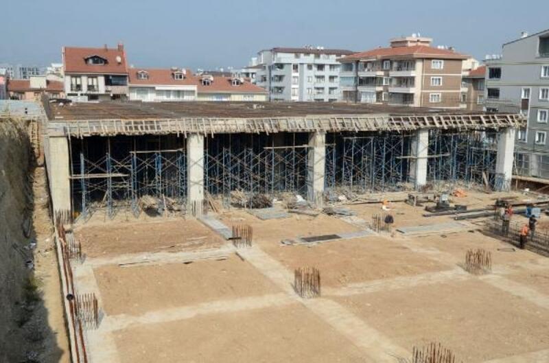 Bursa'da Yunuseli Kapalı Pazar Alanı ve Otoparkı inşaatı hızla ilerliyor