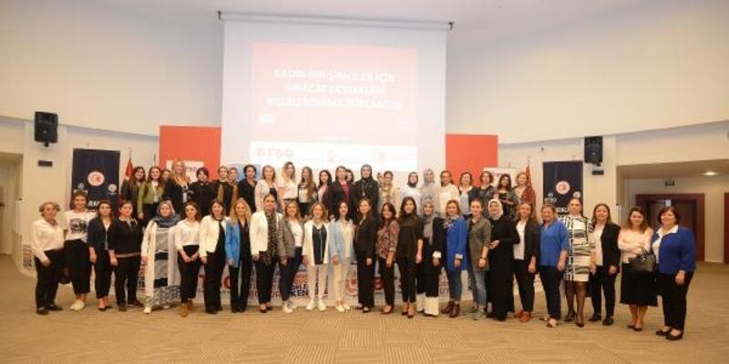 Bursa'da kadın girişimcilere 'ihracat' brifingi