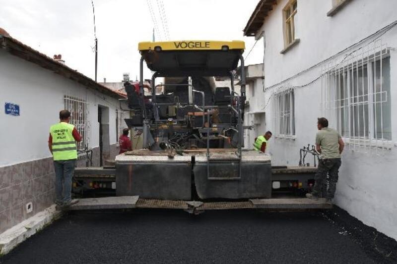 Edremit'in Hamidiye Mahallesi yolları asfaltlanıyor