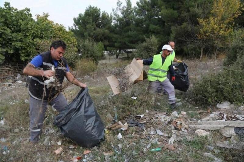 Sarnıç'ta 15 kamyon moloz ve evsel atık toplandı