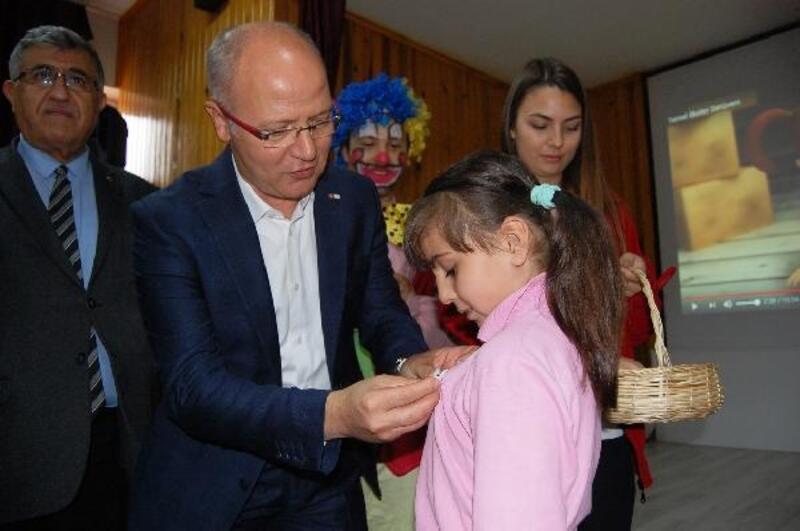 Türk Kızılay Bursa Şubesi'nden eğitime tam destek
