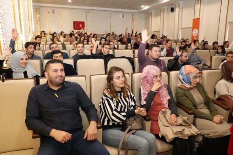 """Sivas'ta 'Aday öğretmen"""" yetiştirme programı"""