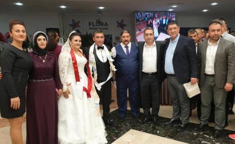 Başkan Yardımcı, kızını evlendirdi