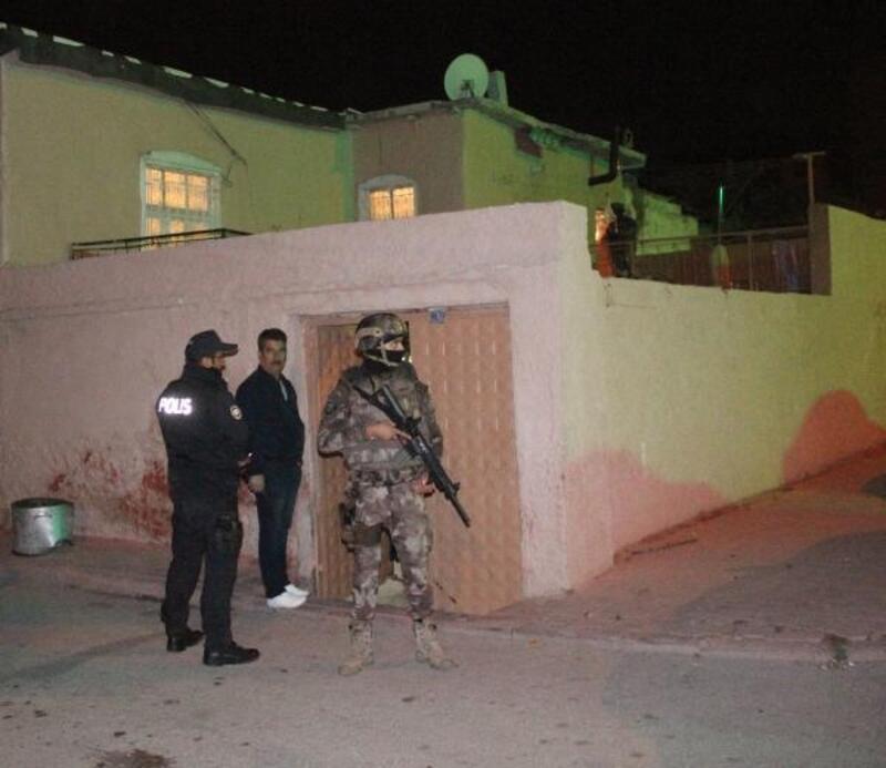 Konya'da 200 polisle narkotik ve asayiş operasyonu