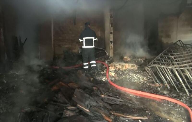 Mobilya atölyesinde çıkan yangın 4 iş yerine sıçradı
