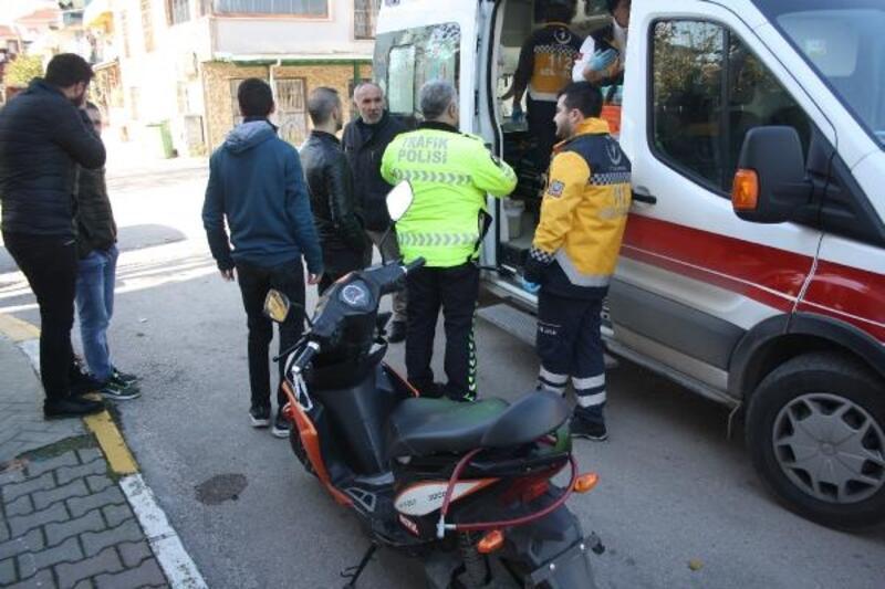 İki motosiklet çarpıştı, sürücüler yaralandı