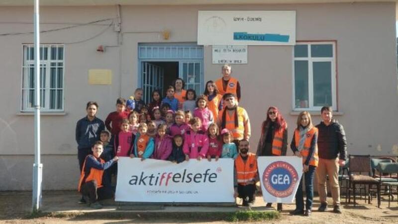 Gönüllülerden köy okuluna yardım