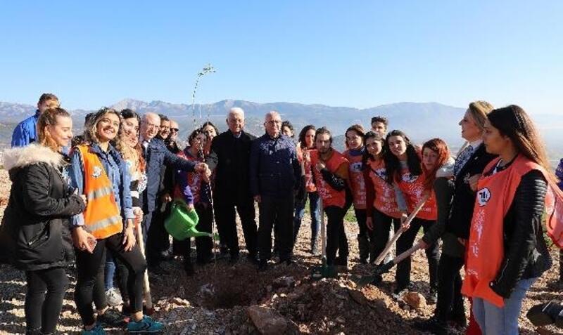 Muğla'daki çöp sahasına 2 bin fidan dikildi