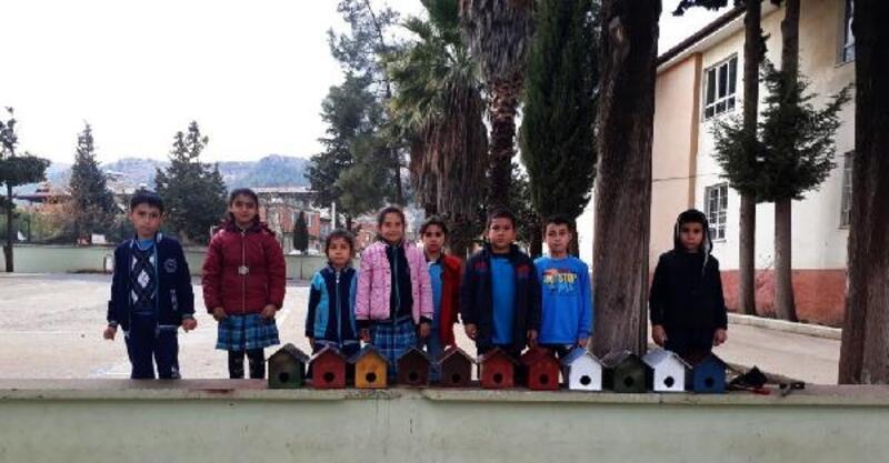 İslahiye'de öğrenciler ağaçlara yuva yaptı