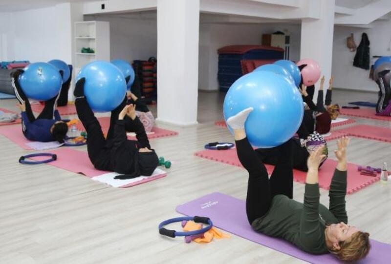 Sağlıklı yaşam için step ve aerobik kurslarına ilgi