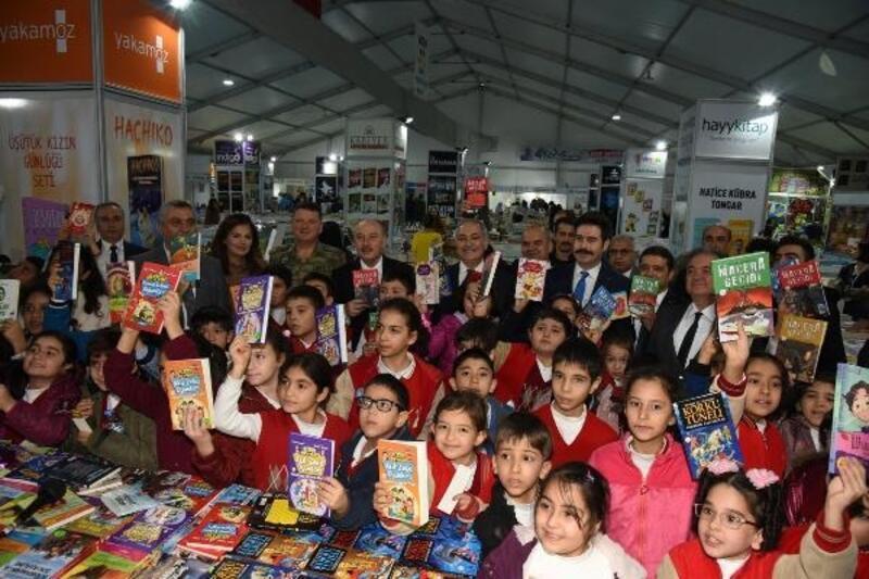 Osmaniye Kitap Fuarı'nı, 10 günde 105 bin kişi ziyaret etti