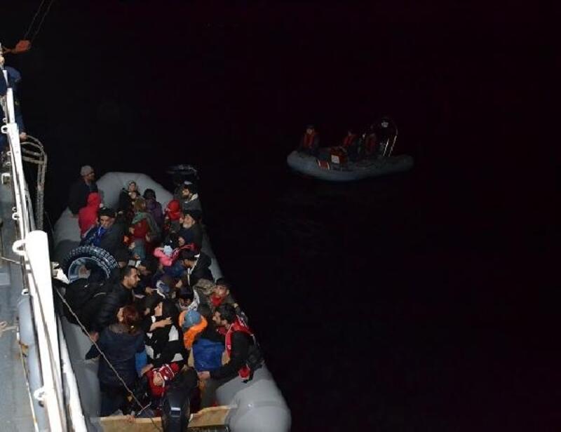Lastik botta 28'i çocuk, 58 kaçak göçmen yakalandı