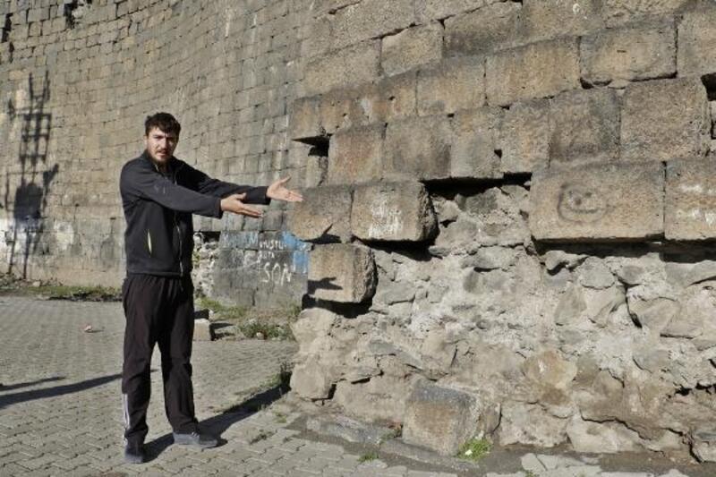 Diyarbakır surlarının korunması için turizm zabıtası talebi