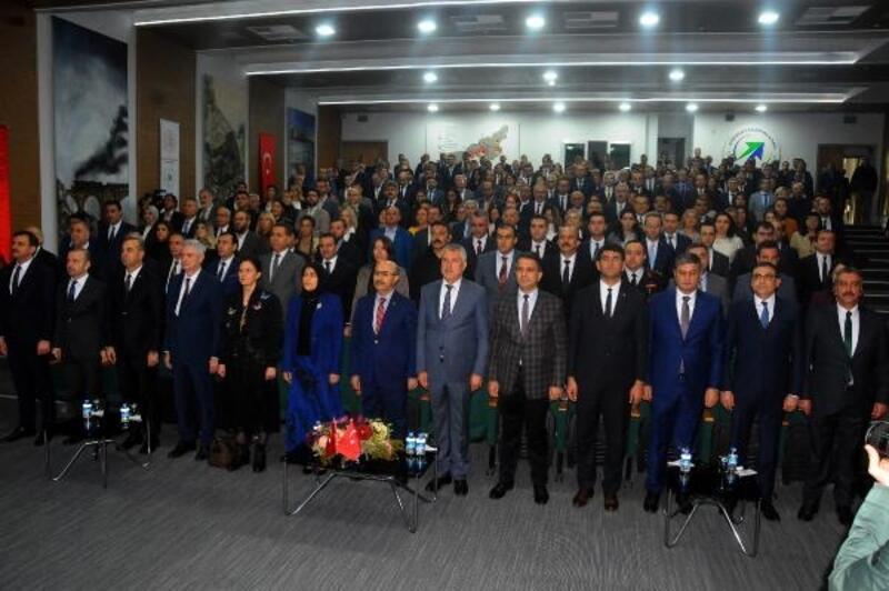 Vali Demirtaş: Tüm kurumlarımız kadına yönelik şiddete karşı mücadeleye katkıda bulunmalıdır
