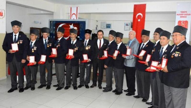 Datça'da Kıbrıs gazilerine madalya ve beratları verildi