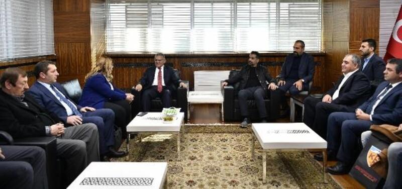 İstikbal Mobilya Kayserispor yönetiminden Başkan Büyükkılıç'a ziyaret