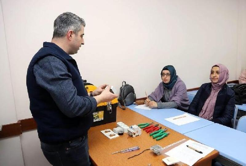 Büyükşehir'den kadınlara tamir kursu