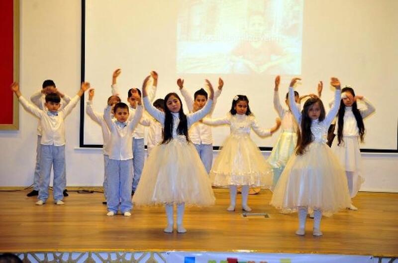 Osmaniye'de, 'Kültürlerin Buluşma Noktası Türkiye' etkinliği