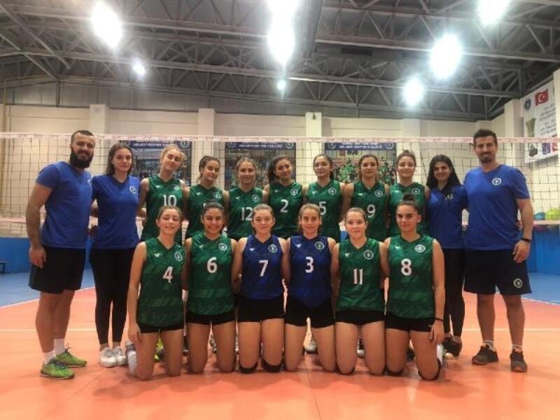 Bursa BŞB Kadın Voleybol Takımı sahaya iniyor