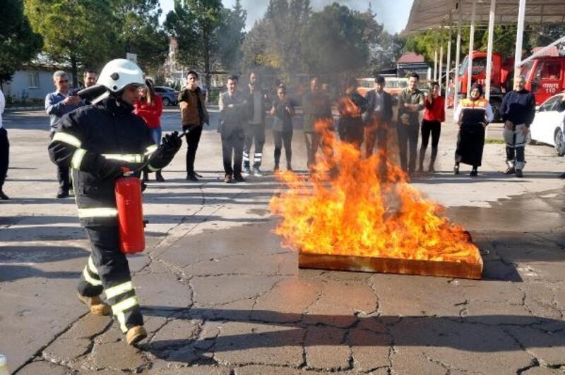 Osmaniye'de AFAD gönüllülerine yangın söndürme eğitimi