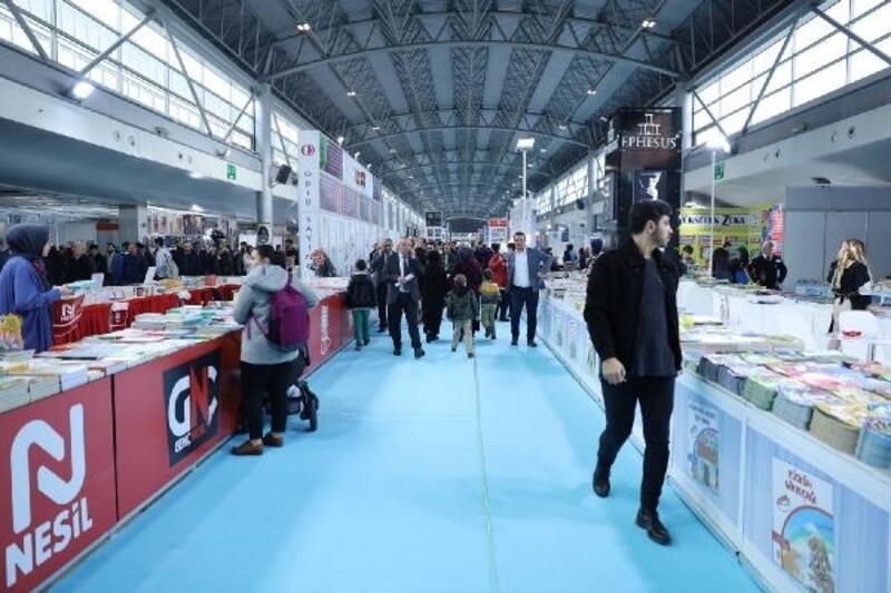 Bursa Büyükşehir Belediyesi Kitap Fuarı, kapılarını açtı