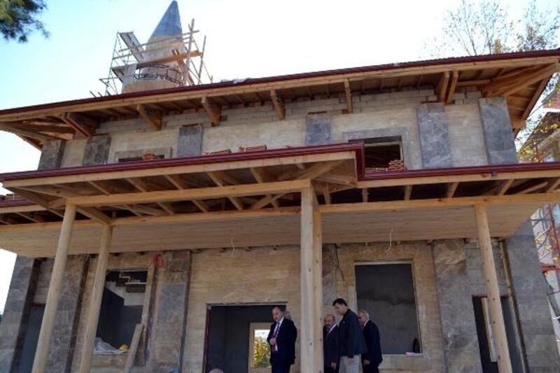 Vali Coşkun, Sancaklı Camii inşaatında inceleme yaptı