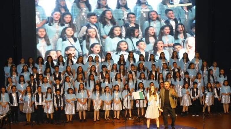 Çocuklardan Sezen Aksu şarkıları