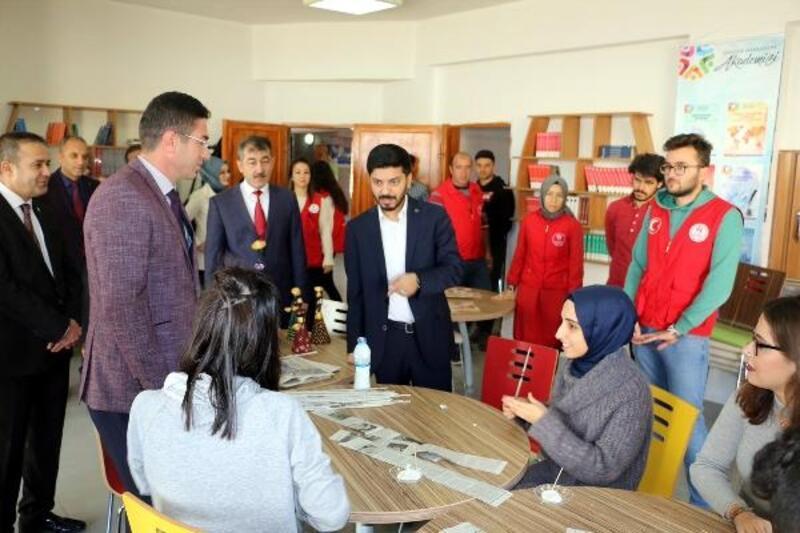 Gençlik Hizmetleri Genel Müdürü Topoğlu, Niğde'de gençlerle buluştu