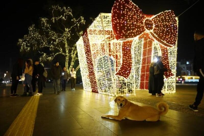 Manavgat'ın caddelerinde yeni yıl ışıltısı