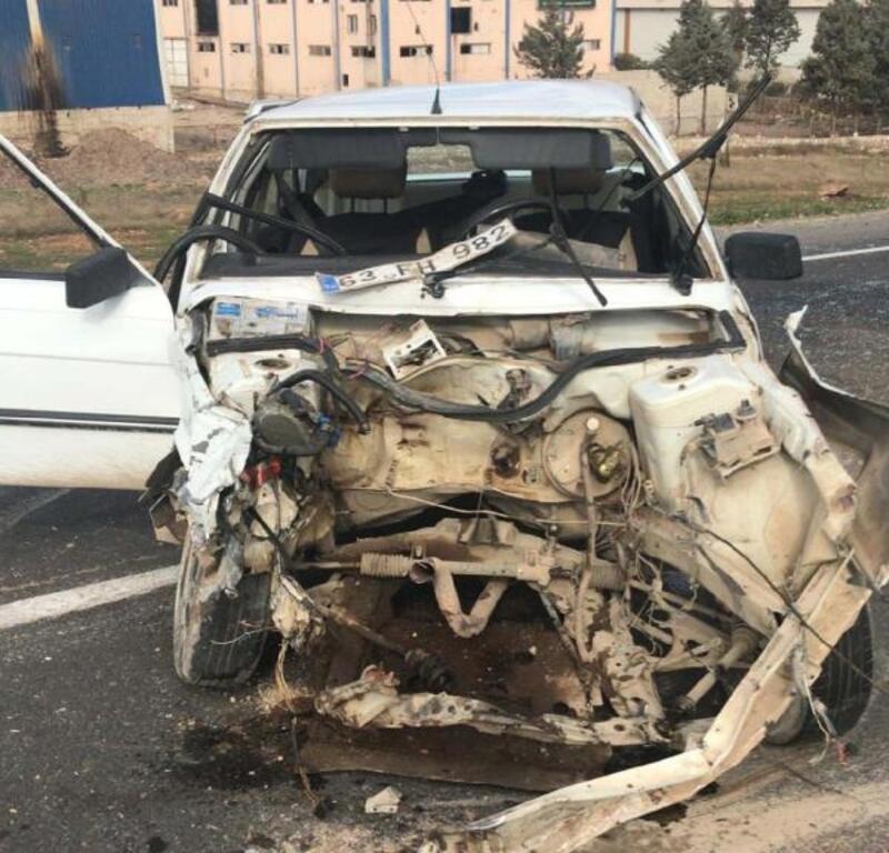 Şanlıurfa'da iki otomobil çarpıştı:4 yaralı