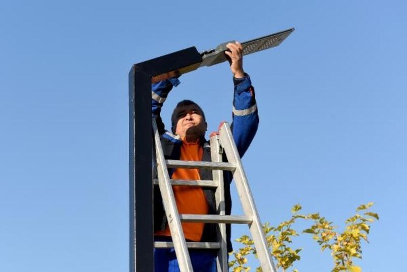 Parklar güneş enerjisiyle aydınlatılacak