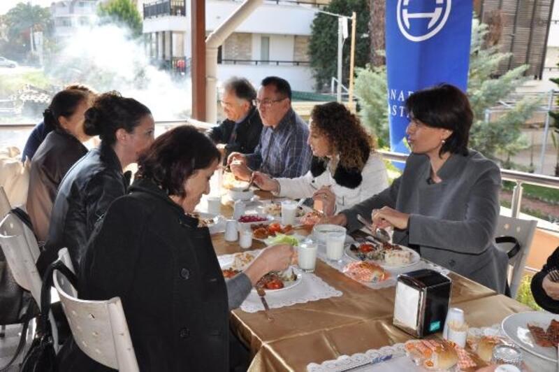 Kemer Anadolu Hastanesi 23'üncü yaşını kutladı