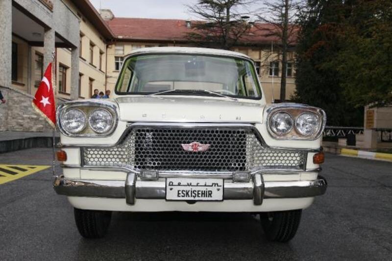 İlk yerli otomobil Devrim'i, 300 bin kişi ziyaret etti