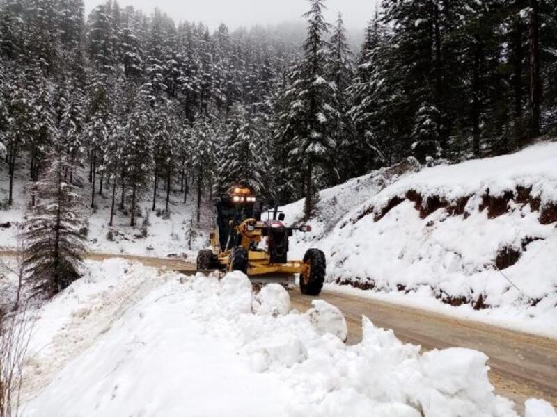 Büyükşehir, karla mücadeleye devam ediyor