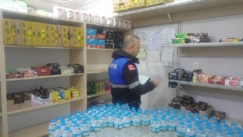 Biga Belediyesi zabıta ekipleri, okul kantinleri ve marketlerde denetim yaptı