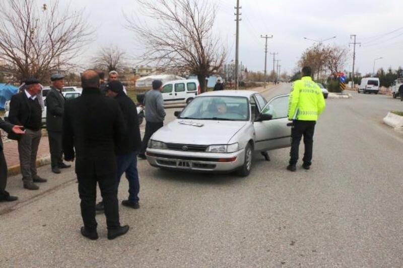 Otomobil çarpan Muhammed, yaşama tutunamadı