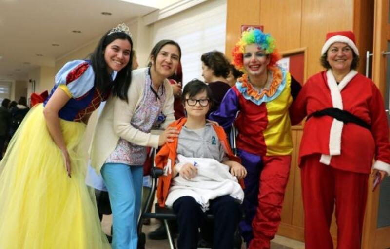 Balcalı'da hasta çocuklar için yılbaşı eğlencesi