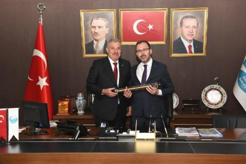 Başkan Yılmaz, Gençlik ve Spor Bakanı Kasapoğlu ve beraberindeki heyeti ağırladı