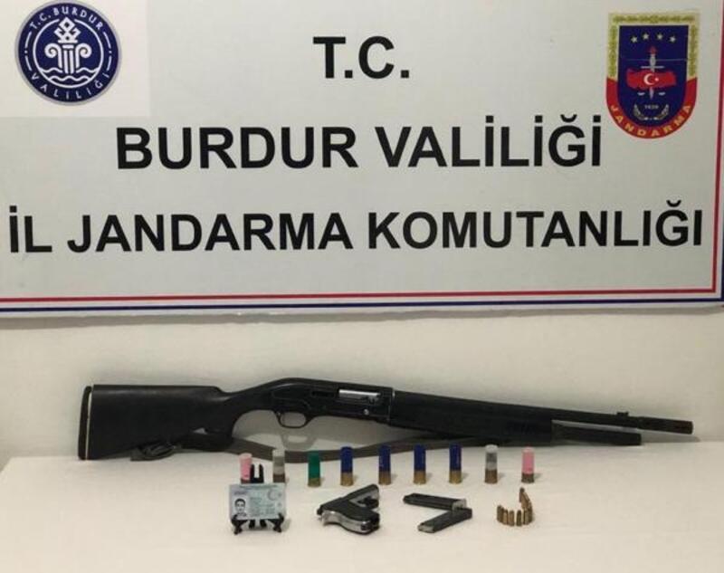 Jandarma aranan 13 kişiyi yakaladı